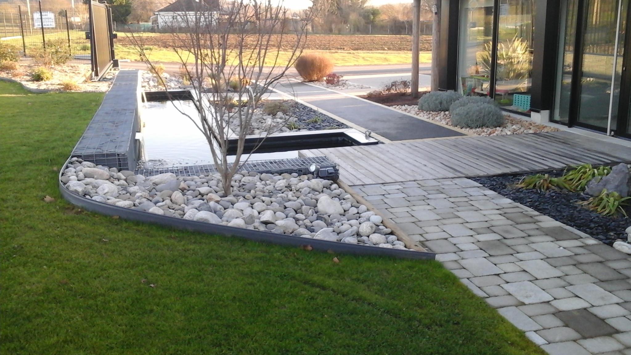 Bordure volige en aluminium délimitation séparation massif jardin