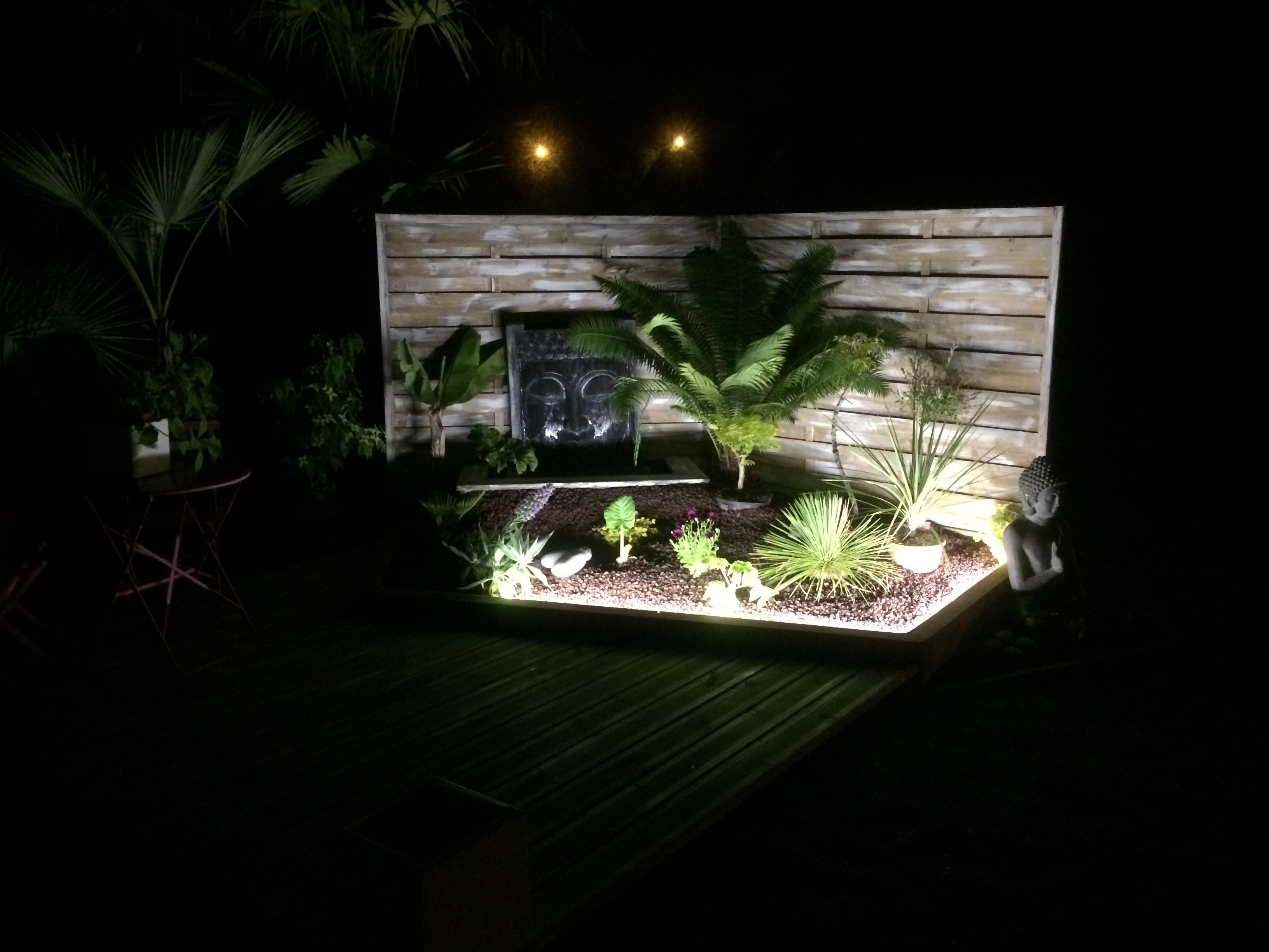 bordure jardin luminaire extérieur métal métallique volige extérieur
