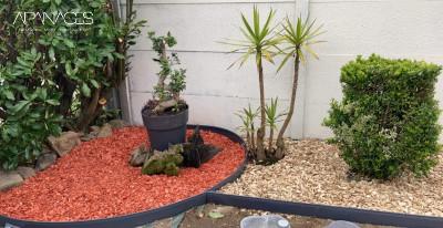 parterre jardin avec bordure aluminium gris ardoise