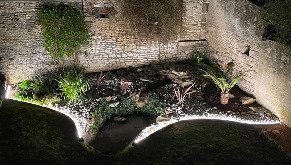 jardin éclairé avec bordures aluminium